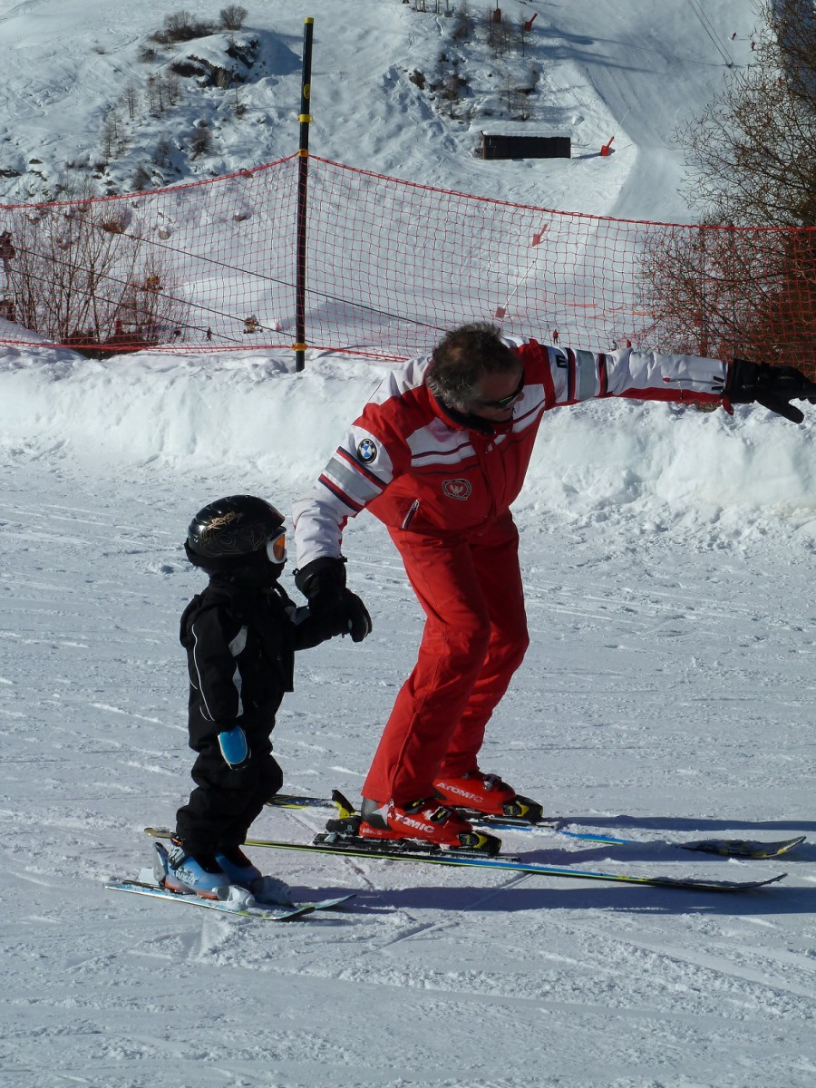 ski instructing a child in Val d'Isère